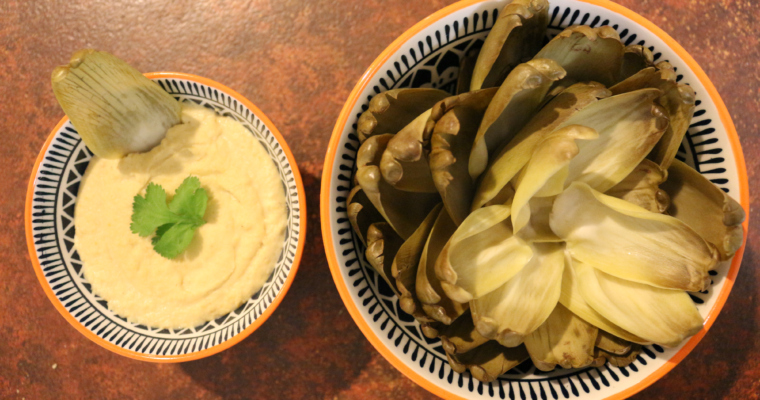 Vegan homemade hummus & artichokes leaves